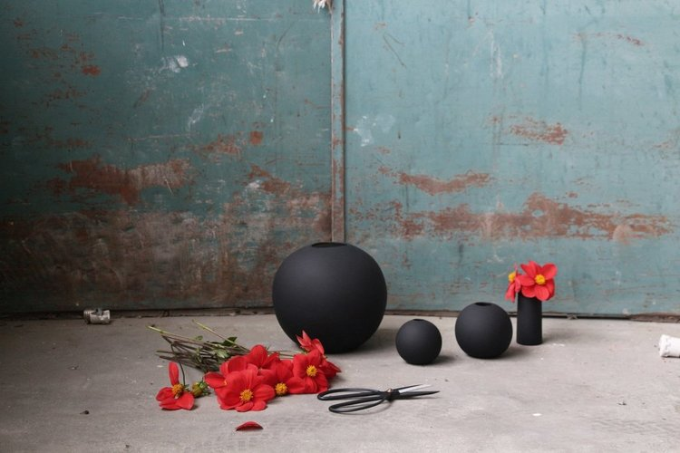 Ball Vase 8 cm Black