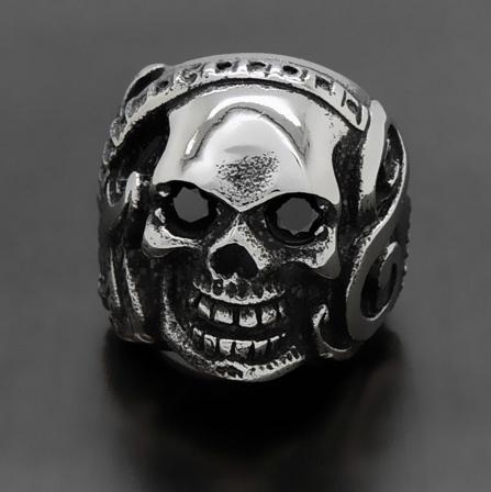 FILL YOUR HEAD WITH ROCK- Den givna ringen för musikälskaren