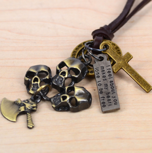 HAMMER TO FALL - Halsband med kors, yxa & döskallar