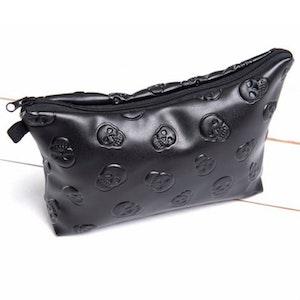 BLACK VELVET - Necessär/sminkväska med små skallar