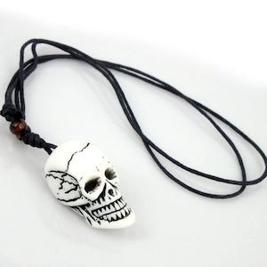 BAD TO THE BONE - Halsband av yakben