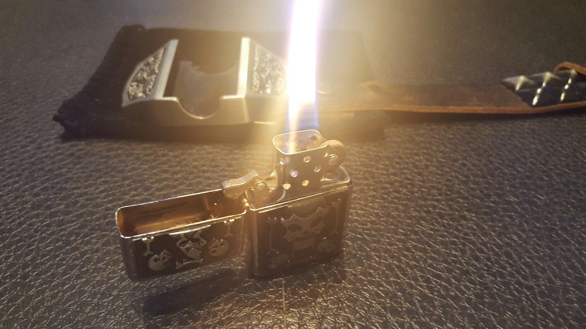 LIGHT MY FIRE - Bältesspänne med tändare
