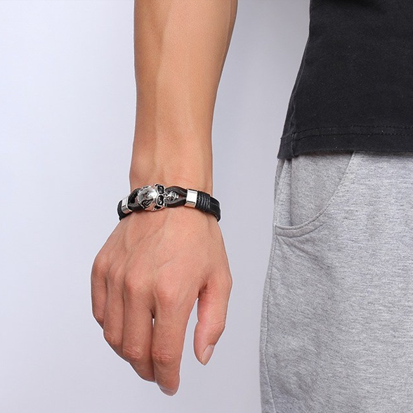STILLBORN - Svart stilrent armband med en döskalle
