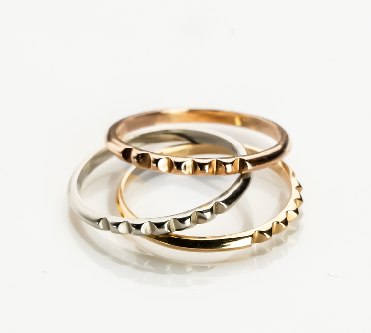 STUD RING 18K GOLD