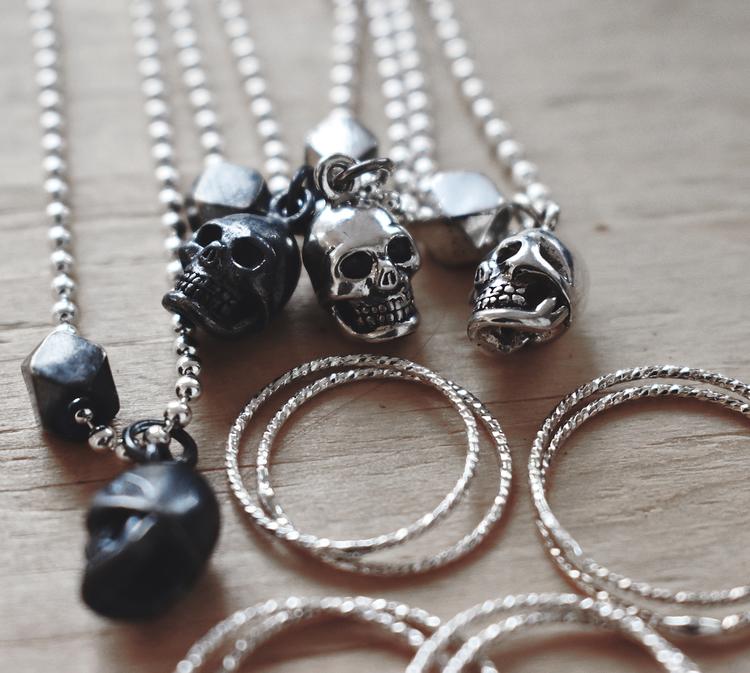 Unisex Skull necklace silver