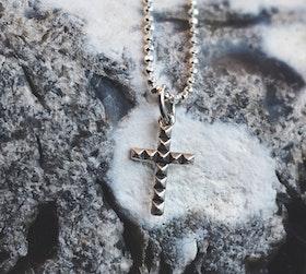 Cross necklace oxidized