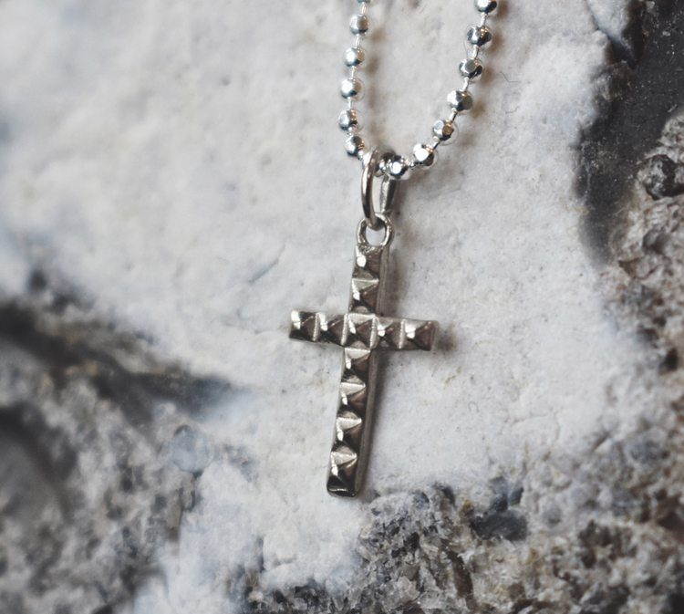 Cross necklace silver