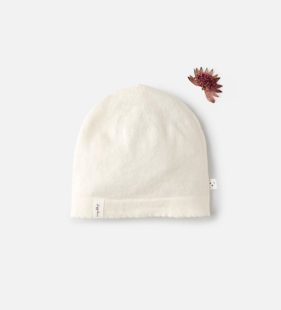Newborn Scallop Hat - Ivory