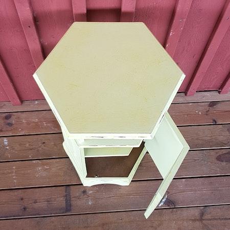 """Nattduksbord/Barskåp """"Gömma"""""""