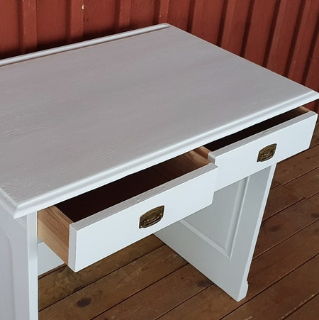 """Skrivbord """"Renoveringsuppdrag"""""""