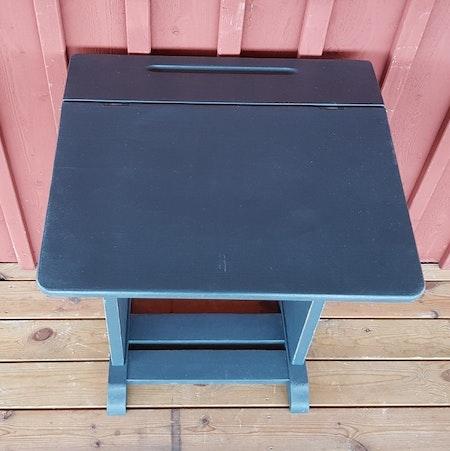 """Sminkbord / Skrivpulpet /Databord """"skolka"""""""