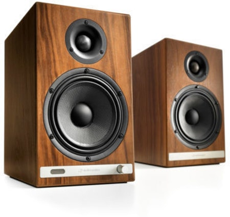 Audioengine HD6 Walnut