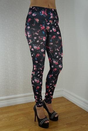 Svarta leggings med röda blommor