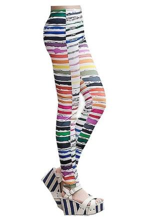 Vita leggings med färgglada ränder