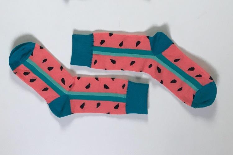 Trendiga Färgglada mönstrade strumpor sockar i 12 olika motiv