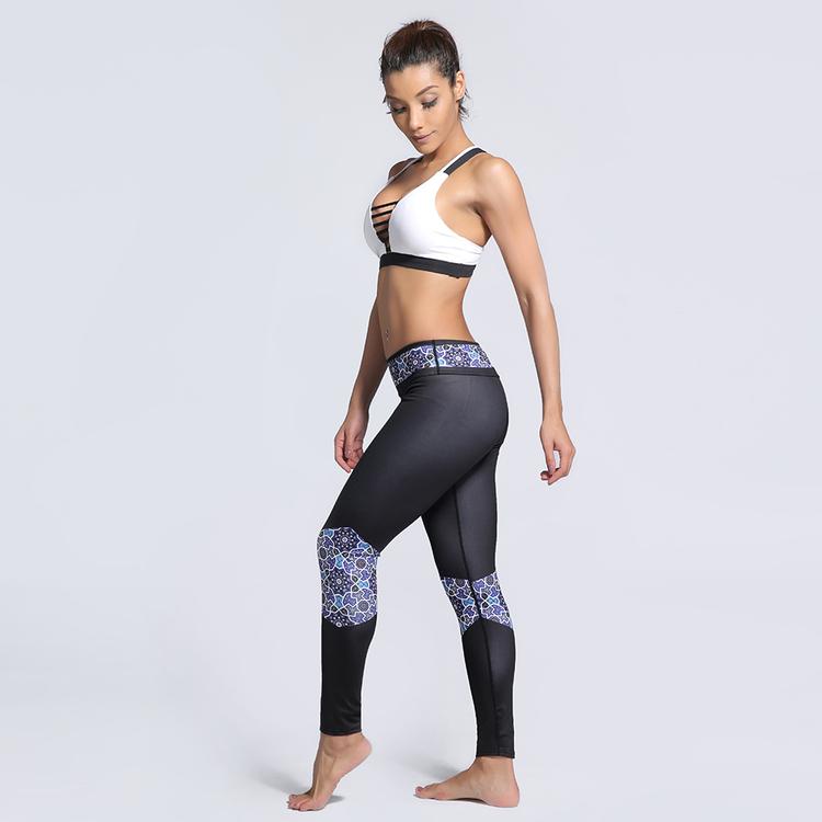 Svarta Yoga Leggings Med Mönster