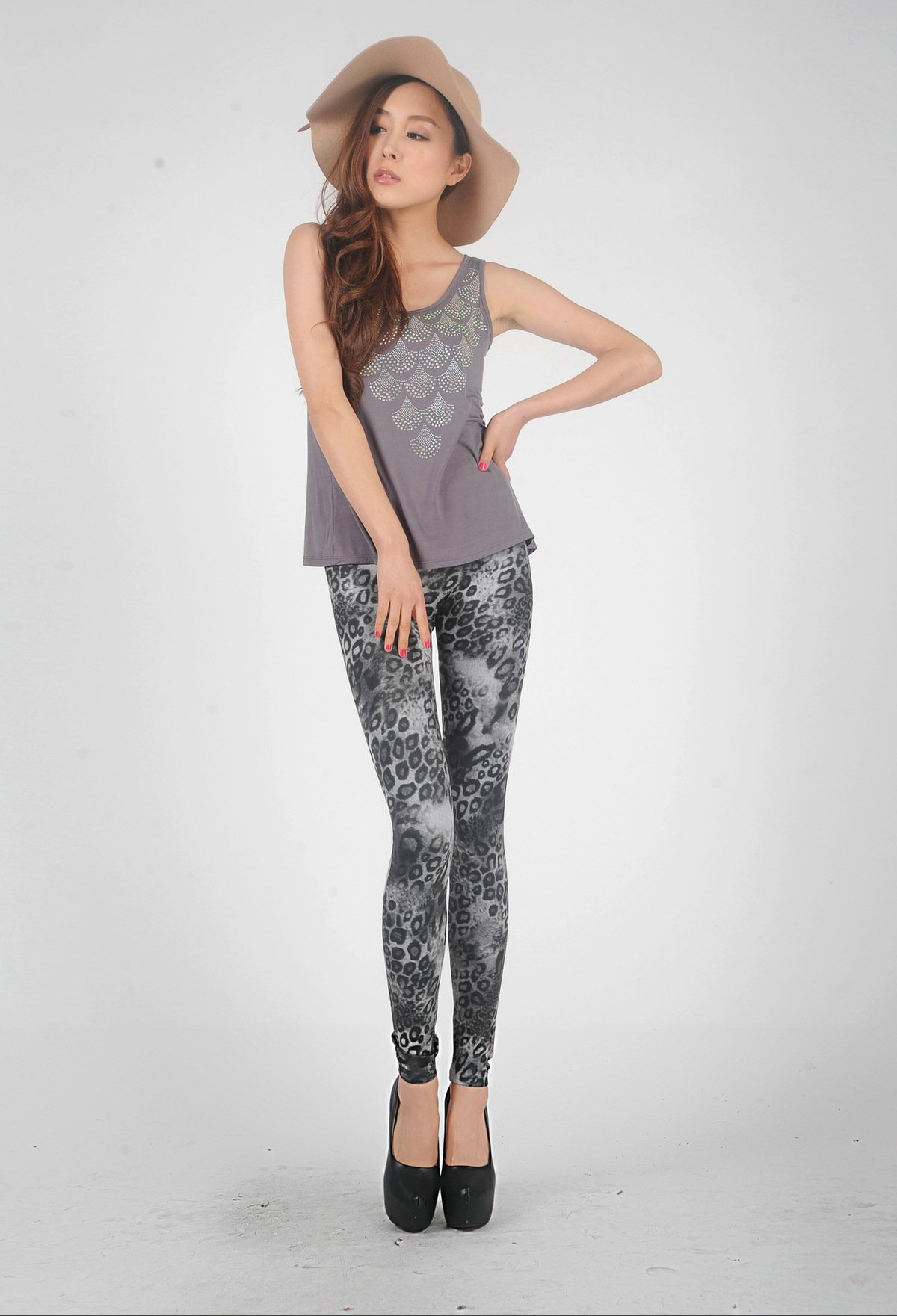Grey Leopard Spot Leggings