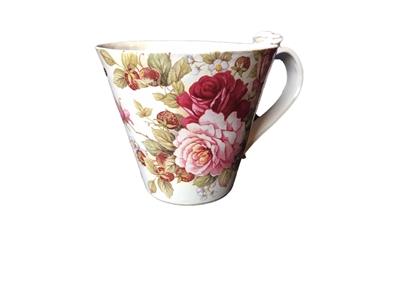 Slutsåld! Handjord blommig keramikmugg