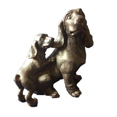 Hundmamma med valp