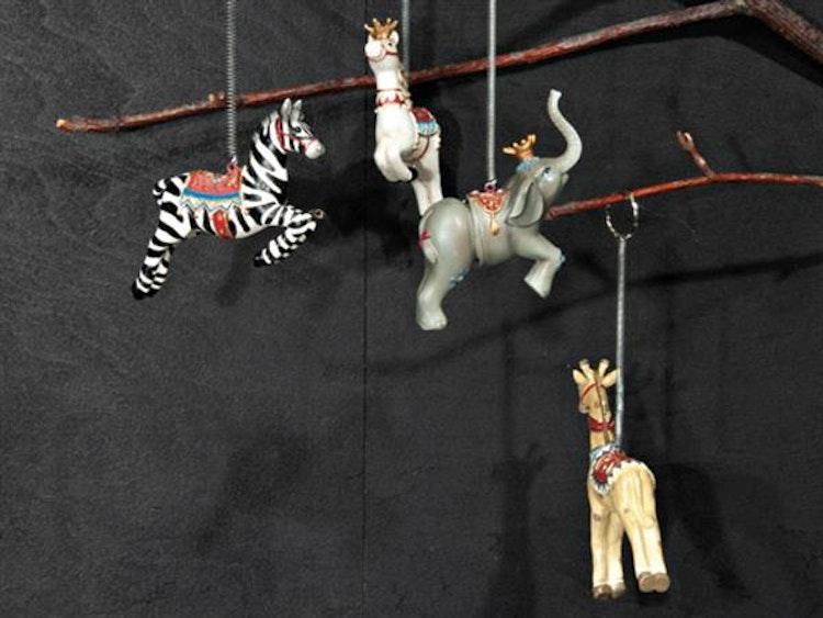 Olika djur att hänga i barnrummet.
