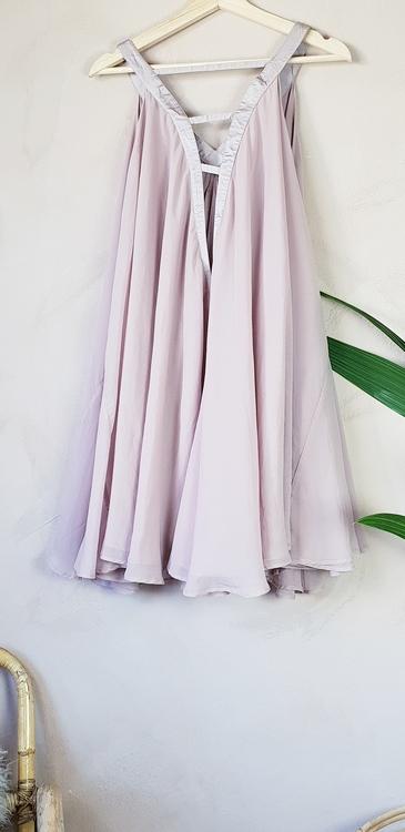 Second Female klänning storlek M/L