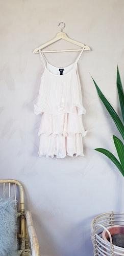 H&M volangklänning storlek small