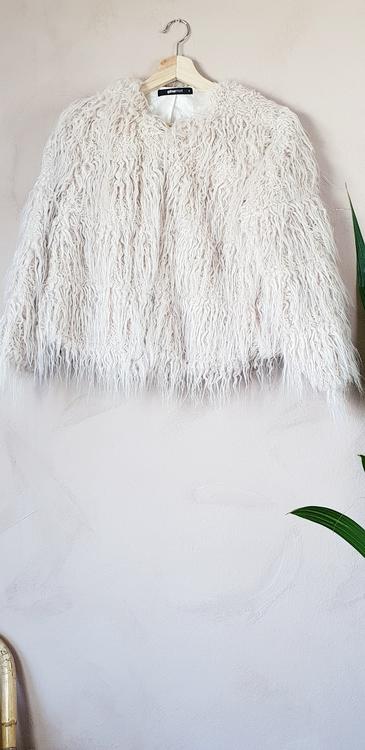 Ginatricot fuskpälsjacka storlek small