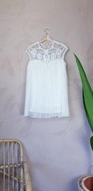 Vit klänning med paljetter storlek S/M