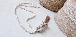 Halsband med snäckor & tofs