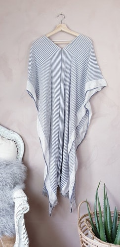 H&M lång kaftan storlek onesize