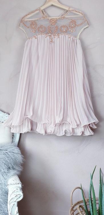 Klänning storlek onesize