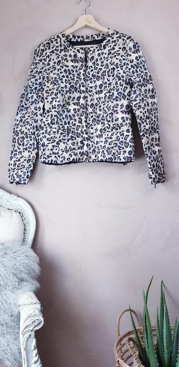 Holy & Whytle leopardjacka storlek small