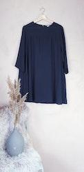 H&M klänning storlek medium
