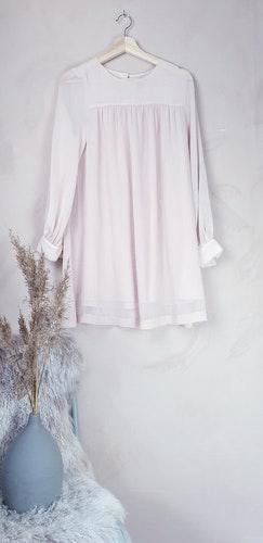 H&M långärmad klänning storlek small