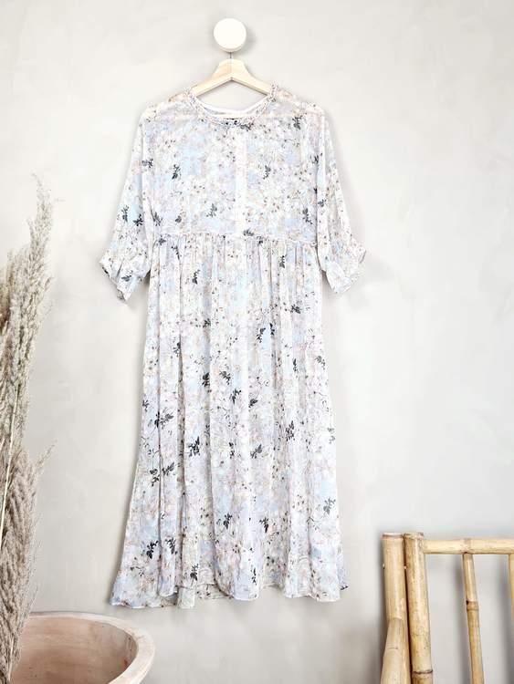 Mönstrad klänning storlek medium