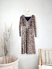 Soaked in Luxury klänning storlek small