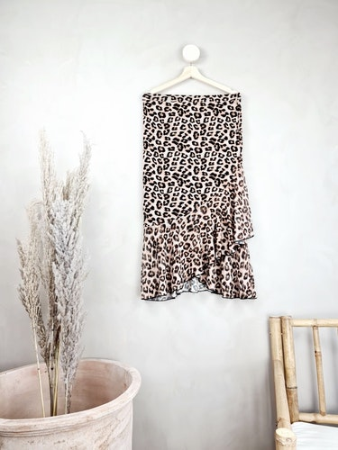 NLY kjol storlek Large
