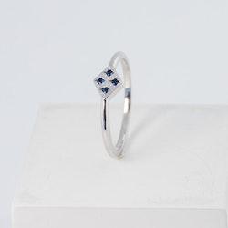 Freja ring vitguld - blå safir