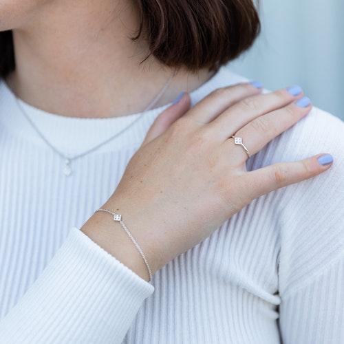 Freja armband vitguld - rosa safir