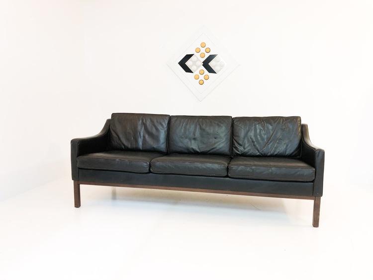 Soffa 60-tal svart skinn