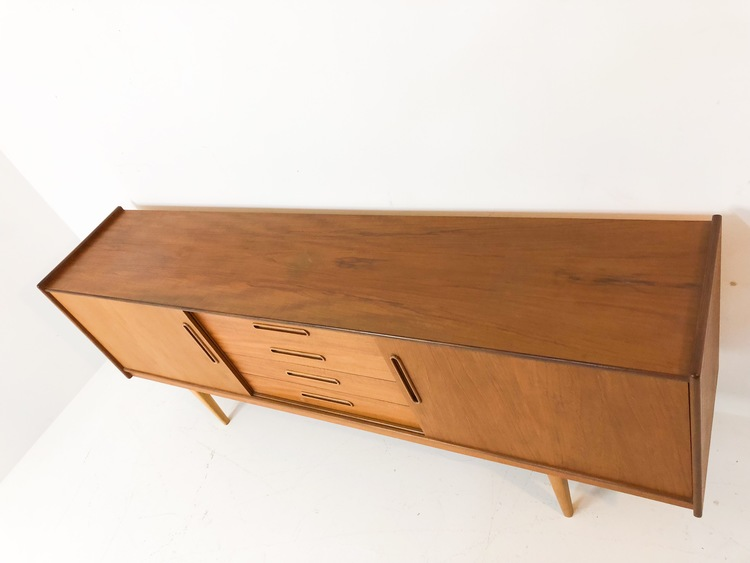 Sideboard i teak 50-tal