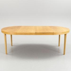 Matbord i ek 60-tal