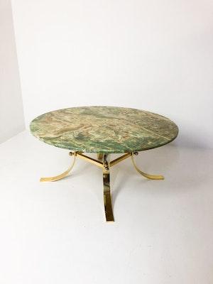 Exklusivt bord i marmor