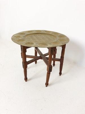 Orientaliskt rökbord