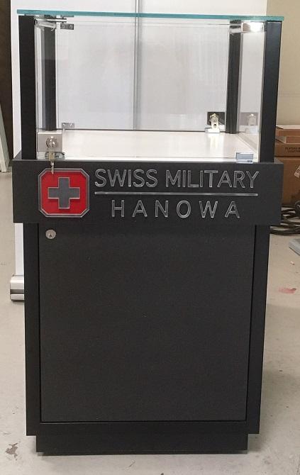 Glasvitrin Swiss Military