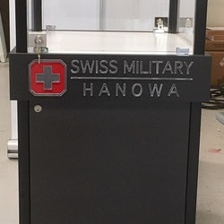 Glasvitrin Swiss Military