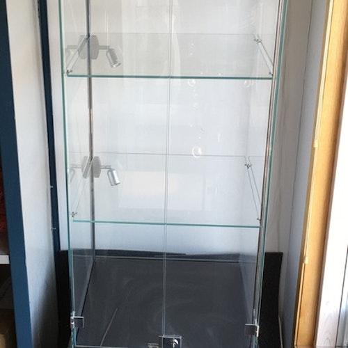 Glasvitrin 56x56x170 cm
