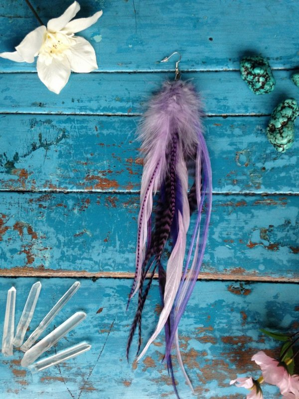 Anemone single feather earring