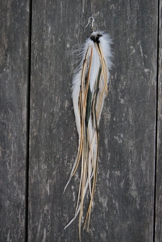 Puma single feather earring