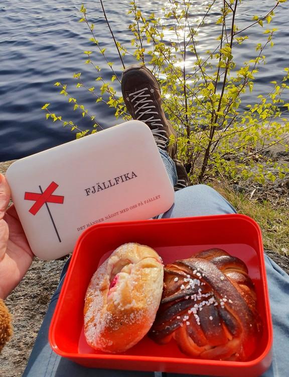 STIKKAN DESIGN-MATLÅDA-FJÄLLFIKA